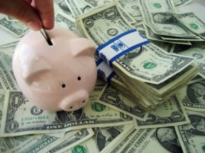 Money-with-Piggy-Bank-Flickr-401K-630x472